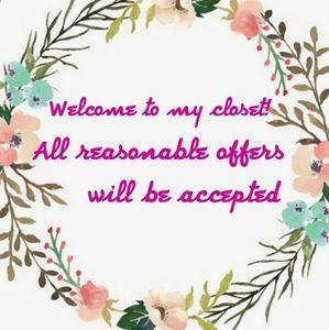Hello Fellow Poshers!👋 Welcome to my closet!